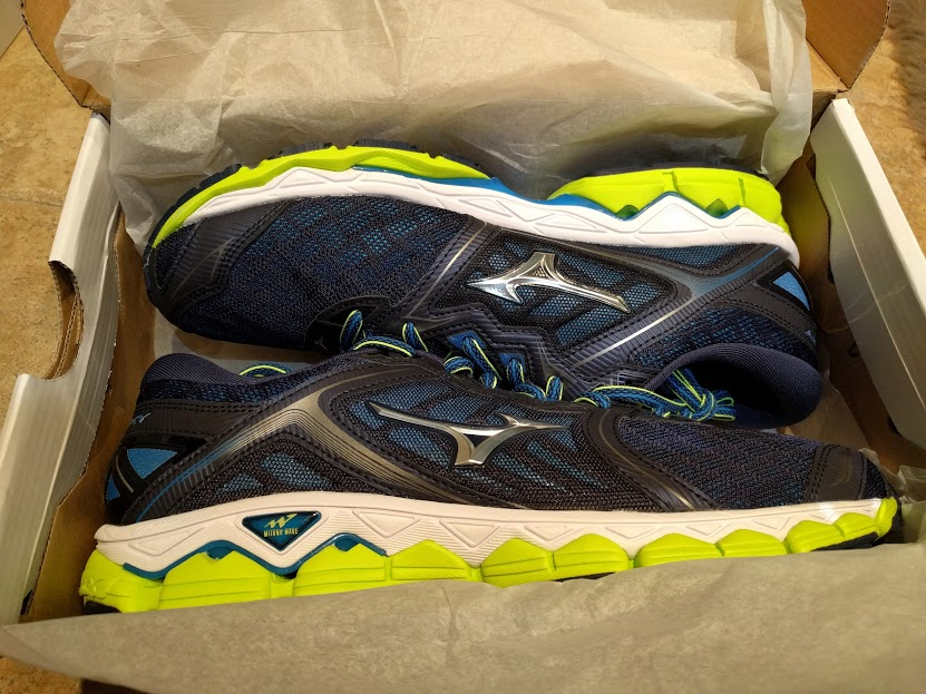 newest 3cc84 1f0e6 I had the opportunity to test out the new Mizuno Wave Sky. I m actually  wearing them now as I am writing this review and I have to say, they are  one of ...
